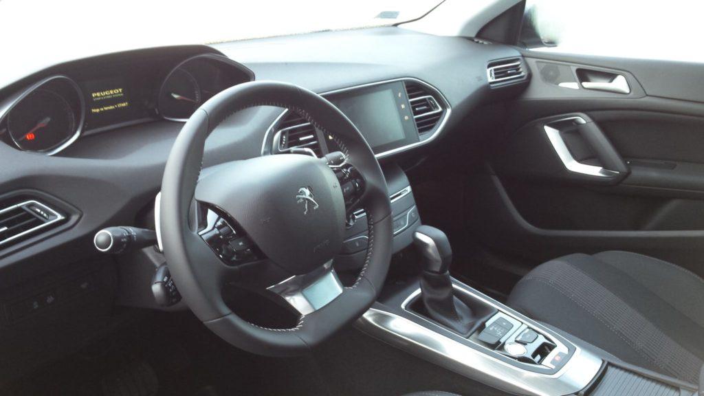 Masywnie sprzedam nowy Peugeot 308 ALLURE+ AUTOMAT , bardzo bogate EC57
